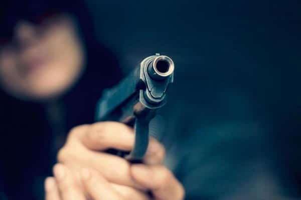 napad-pljacka-pistolj